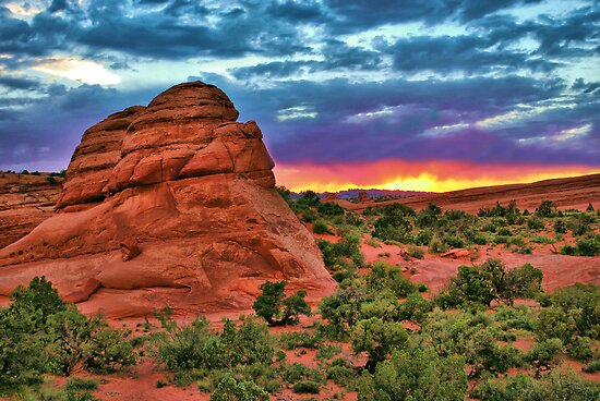 Red Rock Sunset by Gregory Ballos | gregoryballosphoto.com