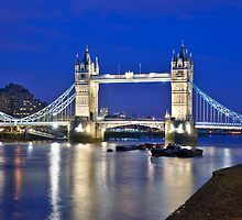 The City of London by Mario Curcio