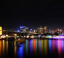 Sydney harbour NYE 2009-2010 by Tim Beasley
