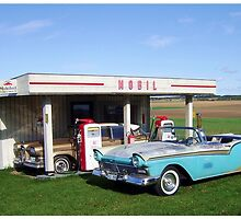 OId Mobil Gasstation by Duck-Flower