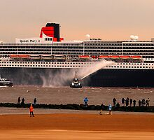 Queen Mary 2 by Paul Reay