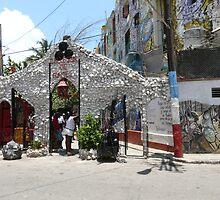 Callejon de Hamel, Havana, Cuba by apricotargante