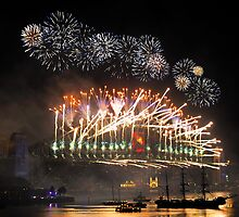 Sydney New Year Eve 2009 Fireworks - Many Colours by Gino Iori