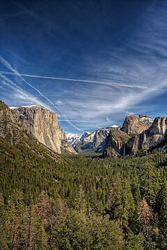 Tunnel View - Yosemite Valley by Michael Chong
