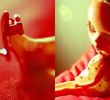 Tabatha en rouge III by Elena Ledesma