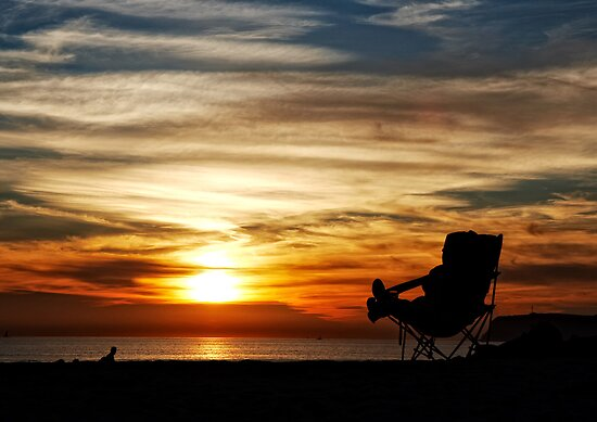 Enjoying the Moment - Coronado, San Diego by Michael Chong