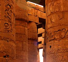 Sun in Karnak Temple by Tom Prokop