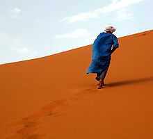 Nomade in the desert by Peter Voerman