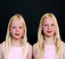 Young TwinS #1 by Peter Voerman