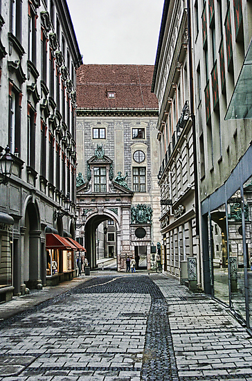 Munich Back Streets by Lynne Morris