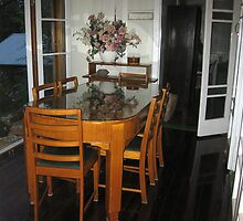 Qld Maple dining table and chairs. by Marilyn Baldey
