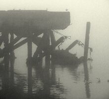 broken pier by lukasdf