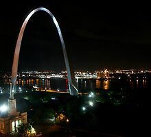 The Gateway Arch by Night by Jennifer Chan