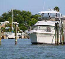 Boat in Dock by kinz4photo