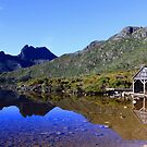 Classic Cradle Mountain  by tinnieopener