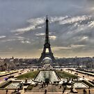 La Tour Eiffel by shutterjunkie