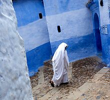 Walk. Chefchaouen by Claude  Renault