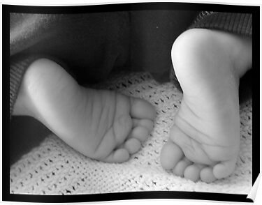 10 Tiny toes by amylw1