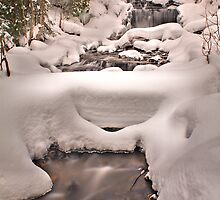 Wagner Falls Frozen 3 by Chintsala