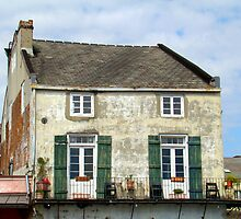 Old House Above The French Quarters Stores by Wanda Raines
