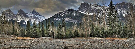 Under rocky peaks by zumi