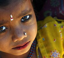 hungry eyes, India by Simon Burns
