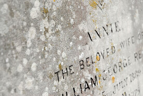 Inscription to a loved one on a Grave by buttonpresser