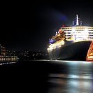 Queen Mary 2 - Garden Island by Bill Fonseca
