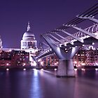 Millenium Bridge - London by mara calvi