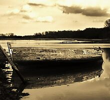 Ship wreck, the Deben, Suffolk by Kerina Strevens