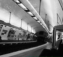 Paris Metro by Charlie  Jeffs