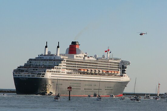 Queen Mary 2 departing SA by Mel1973