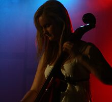 Celloist, Lumiere. by lu138