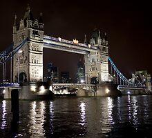 Tower Bridge by Alexander Davydov