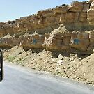 Symbols on the wall (25) - road from Al Mahwit to Sanaa by Marjolein Katsma