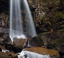Melincourt Falls by Steve  Liptrot