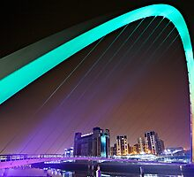 Millennium Bridge & Baltic, Gateshead by David Lewins