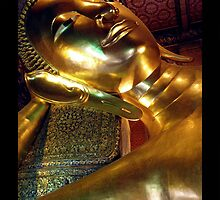 THAILAND - Reclining Buddha by Brad Spencer