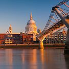 UK, London, St. Paul&#x27;s Cathedral and Millennium Bridge over River Thames   Alan Copson  2010  (20046-05) by Alan Copson