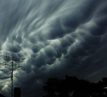 Roaring Clouds - Allambie Heights by bhooper
