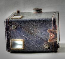 Old box Brownie HDR by Thow's Photography .