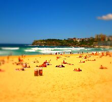 Bondi Beach by Greg Tippett