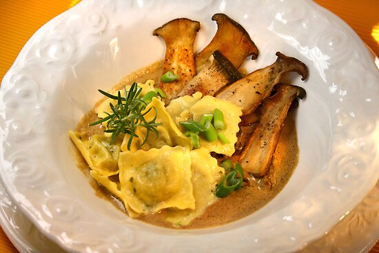 Ravioli con Funghi by SmoothBreeze7
