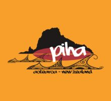 piha tee by dennis william gaylor