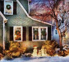 Christmas - A family moment - painted by Mike  Savad