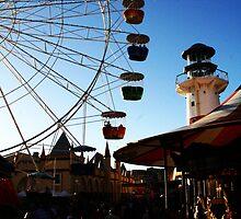 Dusk at Luna Park - Sydney. by lu138