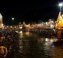 Haridwar in night by Dinni H