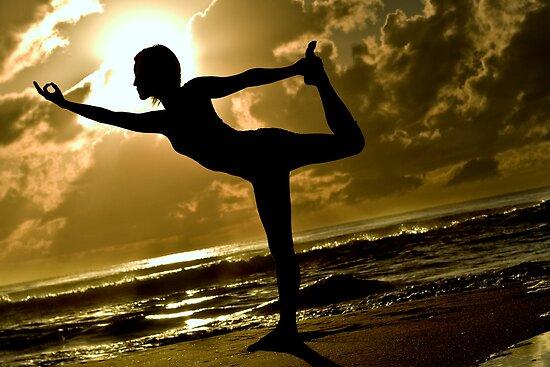 Dancer Pose Silhouette by bradlentz-photo