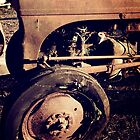 Rusty old tractor by idcreative