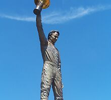 Peter Brock Statue by Stephen Scott-Robertson